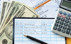 It's important for real estate agents to create personal budgets to track their expenses