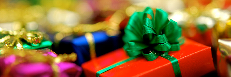 4 Arguments Against Giving Closing Gifts